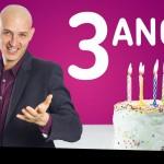 Fãs hipnotizando no aniversário do O Hipnólogo